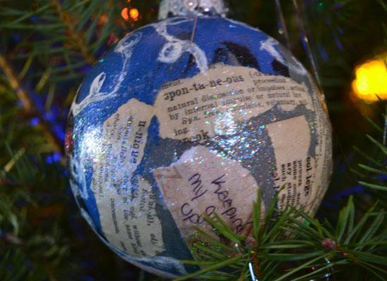 grateful-globes3
